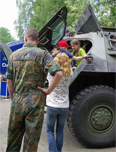 Bundeswehr KarriereTreff in Gütersloh am 22. Mai 2008.